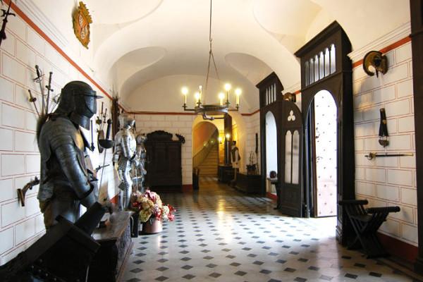 Sala delle armature Monticello d'Alba