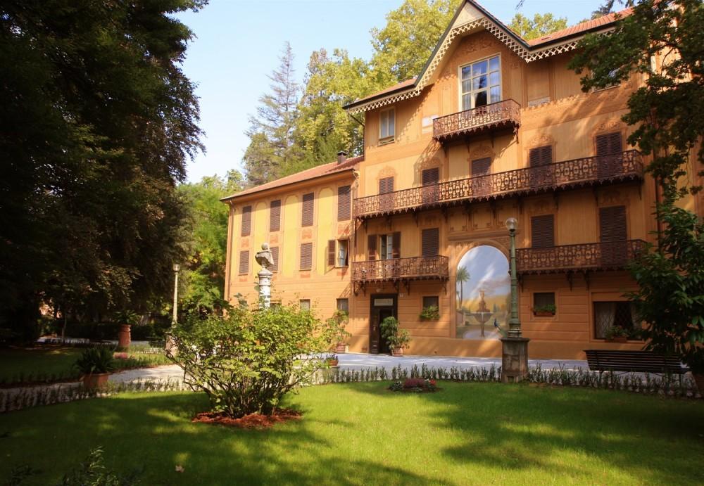 Turismo in langa fontanafredda for Piani di casa bassa architettura del paese