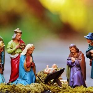 christmas-crib-figures-1060017_1920